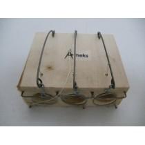 Мышеловка-норка деревянная (три отверстия)